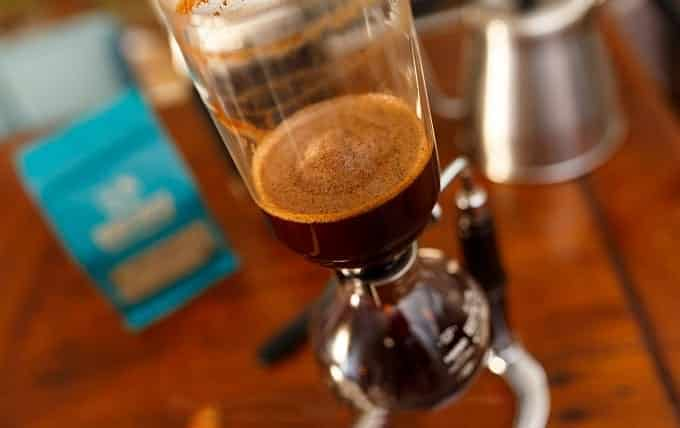 Making Coffee In Siphon Coffee Maker